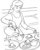 Cenicienta está preparando el desayuno