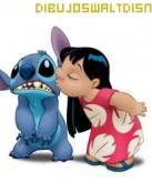Lilo y Stitch besandose