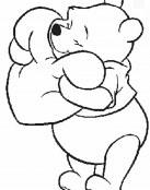 Winnie The Pooh abraza un corazón