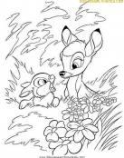 Bambi y Tambor entre la hierba
