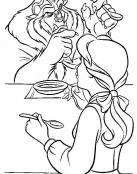 La Bella y la Bestia comiendo juntos