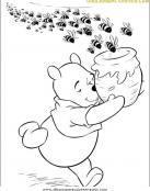 Las abejas persiguen a Winnie The Pooh