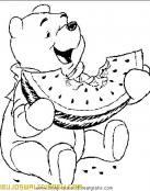 Winnie The Pooh comiendo fruta